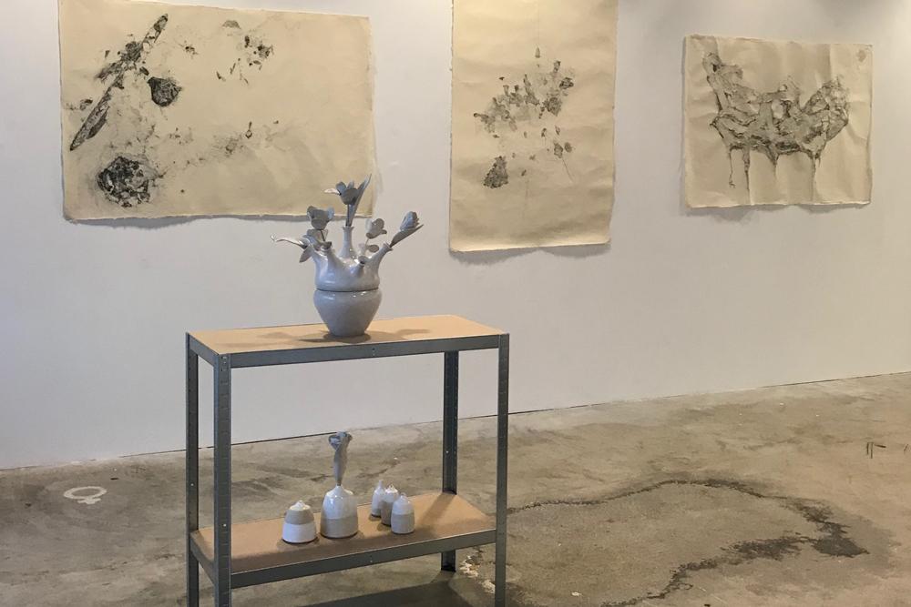 Exhibition Nl=Us, art gallery, ceramics, white
